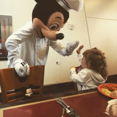 High five Mickey