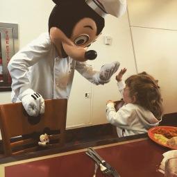 High five Mickey